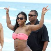 Serena Williams à la plage : Enorme ! Sa convalescence se chiffre en kilos !