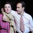 Déborah Grall et Manuel Blanc dans la pièce Frères du Bled, de Christophe Botti, mise en scène par Thierry Harcourt, au Vingtième Théâtre, à Paris.
