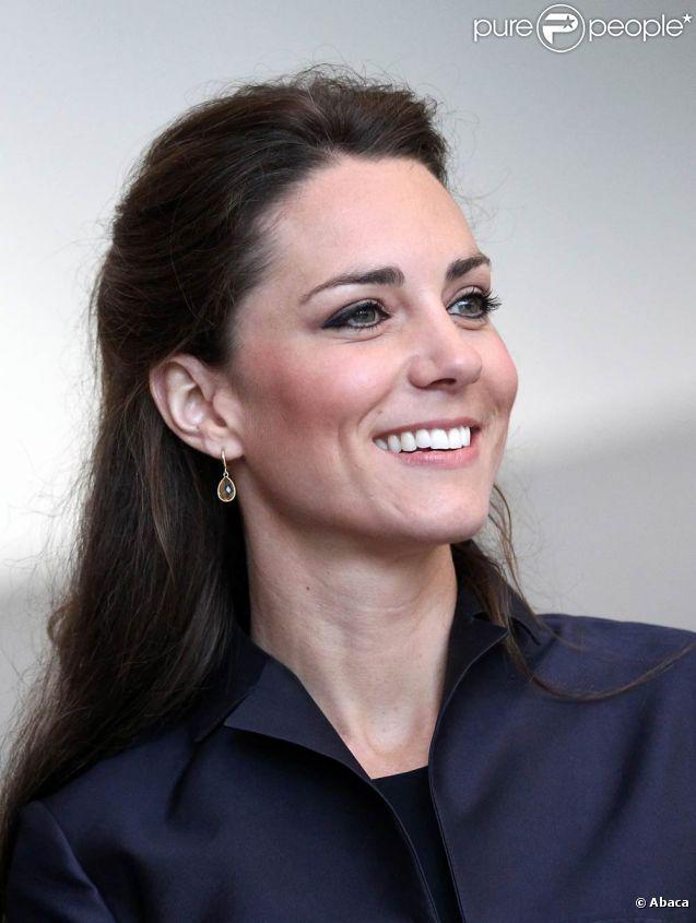 La famille Middleton s'est dotée d'armoiries, prêtes juste à temps pour le mariage de Catherine (photo : le 11 avril dans le Lancashire) avec le prince William, le 29 avril 2011.