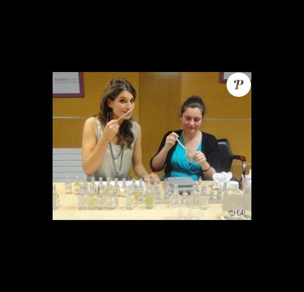 Laury Thilleman lors de l'atelier parfum le 5 avril dernier à Paris.