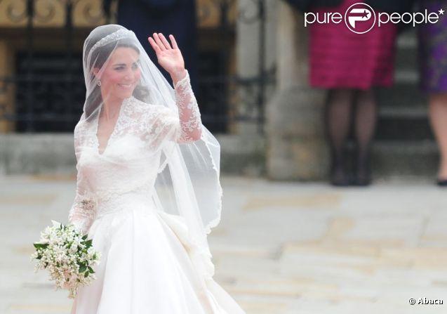 La robe de Kate Middleton serait une copie ! Londres, 29 avril 2011