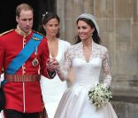 Sarah Burton a clairement copié la robe de Kate Middleton ! Londres, 29 avril 2011