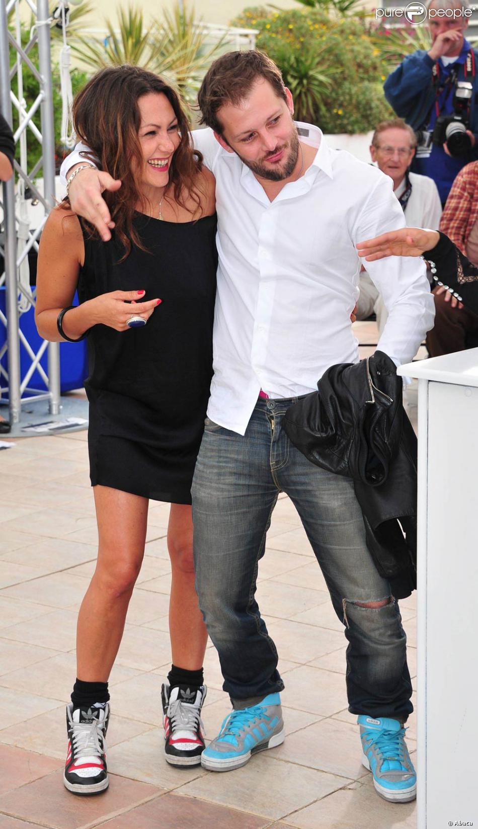 Karole Rocher et Nicolas Duvauchelle à l'occasion du photocall de Polisse,  présenté aujourd'hui au 64e Festival de Cannes, le 13 mai 2011.