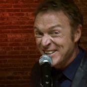 Christophe Hondelatte, chanteur : le clip de Dr House, très spécial !