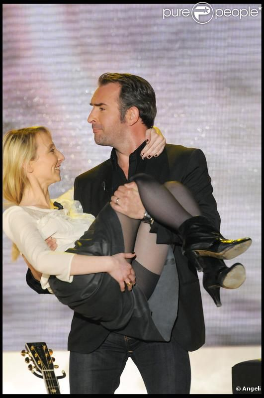 Jean dujardin s 39 amuse avec sa belle soeur alexandra lamy for Jean dujardin et sa fille