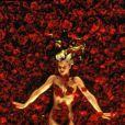 Mena Suvari dans un bain de rose, face à Kevin Spacey. C'est American Beauty, ce 24 mai sur TPS Star à 22h15