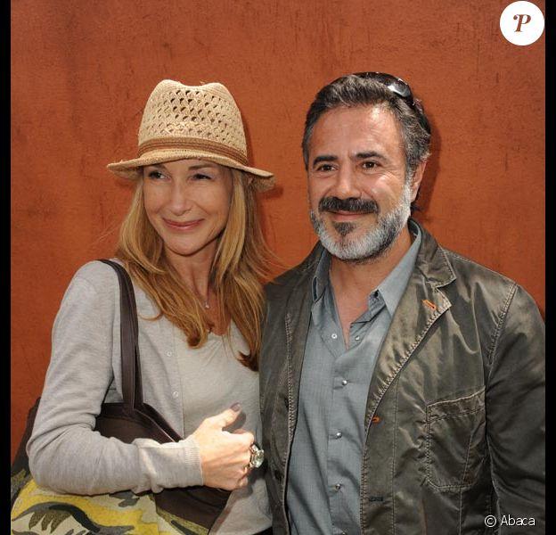 José Garcia et sa femme Isabelle Doval, lors du tournoi de Roland-Garros, à Paris, le 28 mai 2011.