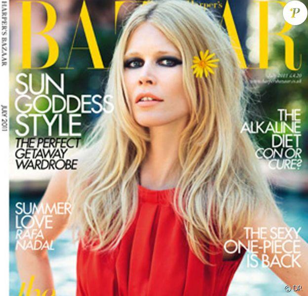 Claudia Schiffer pour le Harper's Bazaar anglais, juillet 2011.