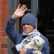 Robbie Williams enterre son passé de bad boy... avec un bichon !