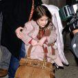 Suri Cruise est une collectionneuse de chaussures hors pair ! Elle en  aurait pour près de 150 000 dollars, soit plus de 100 000 euros... New York, 16 mars 2011