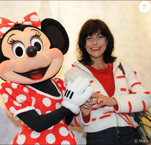 """Lio lors du vernissage de l'exposition """"My Disneyland"""" au sein de la galerie 'My Disneyland' à Paris VIIIe le 7 juin 2011"""