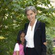 Pour sa troisième édition, la soirée de gala annuelle de la marque Longines, donnée samedi 4 juin 2011 en marge de Roland-Garros, récompensait Jim Courier. Elisabeth Qui était venue avec sa fille, Oona.