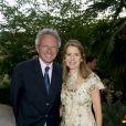 Pour sa troisième édition, la soirée de gala annuelle de la marque Longines, donnée samedi 4 juin 2011 en marge de Roland-Garros, récompensait Jim Courier. Nelson Monfort prenait part à la soirée, avec son épouse.