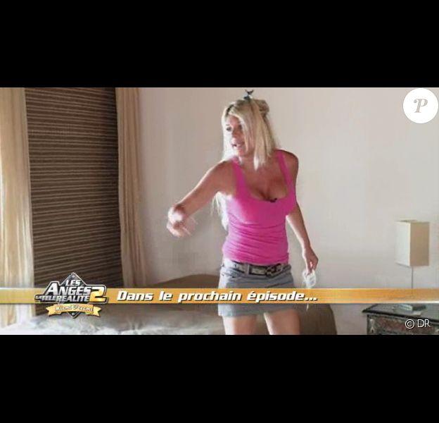 Amélie s'en prend à Julie dans la bande-annonce des Anges de la télé-réalité : Miami Dreams du 13 juin 2011