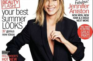 Jennifer Aniston, sexy et jambes nues, balance ses vieux dossiers