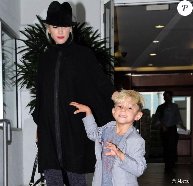 Gwen Stefani et son fils Kingston, 5 ans, affichent leur style. Le petit clown nous fait même en exclusivité la chorégraphie de Thriller de Michael Jackson ! Los Angeles, 16 juin 2011
