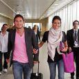 Frank Lampard et Christine Bleakley faisaient leur retour en Grande-Bretagne, à l'aéroport d'Heathrow, le 16 juin 2011, après deux semaines de vacances aux Etats-Unis, au cours desquelles le footballeur a demandé sa belle en mariage !