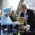 Ascot 2011, cinquième et dernière journée, samedi 18 juin 2011 : pas d'embellie du côté du ciel, mais on pouvait compter sur la reine Elizabeth II pour le coin de ciel bleu !