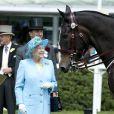 Ascot 2011, jour 5, samedi 18 juin : Dernière sortie de la reine Elizabeth II, dernière couleur sortie de la garde-robe. Bleu ciel !