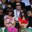 Pippa Middleton, ses parents Carole et Michael, et son amoureux Alex au tournoi de Wimbledon, le 29 juin 2011.