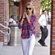 """""""Karolina Kurkova dans les rues de New York, le 29 juin 2011"""""""