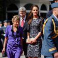 Le prince William et la duchesse Catherine de Cambridge entamaient le 30 juin 2011 leur première visite officielle internationale en tant que jeunes mariés. Au Canada, la Kate-mania a fait des ravages.
