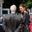 La Kate-mania attendait le prince William et la duchesse de Cambridge à Ottawa, le 30 juin 2011, au premier jour de leur première visite officielle à l'étranger en tant que jeunes mariés.