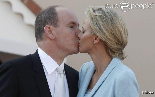 bourgeoise et pute 1982 sa femme se fait baiser devant lui