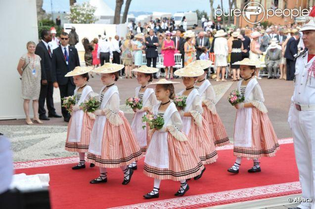 Les six demoiselles d'honneur pour la cérémonie religieuse unissant Charlene au prince Albert, à  Monaco, le 2 juillet 2011