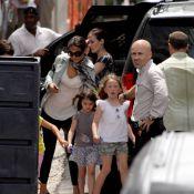 Katie Holmes, fashionista rayonnante, embrasse son Tom Cruise