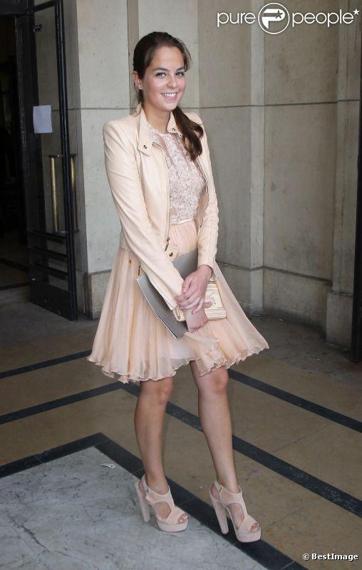 Anouchka Delon au défilé Elie Saab lors de la Fashion Week parisienne, le 6 juillet 2011