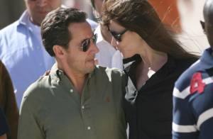 Carla et Nicolas Sarkozy : Tendres baisers sous le soleil exactement...