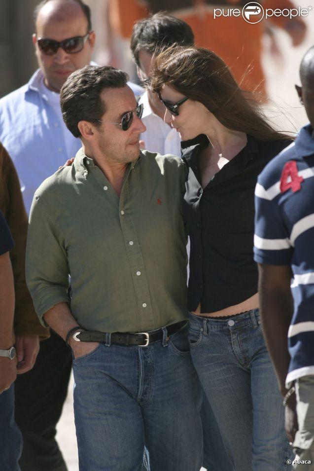 Carla et Nicolas Sarkozy en Egypte en décembre 2007