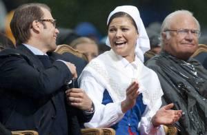 Anniversaire Victoria de Suède: Fou rire général devant son père le roi-poubelle