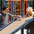 Pete Wentz et son fils Bronx Mowgli à Sherman Oaks le 16 juillet 2011