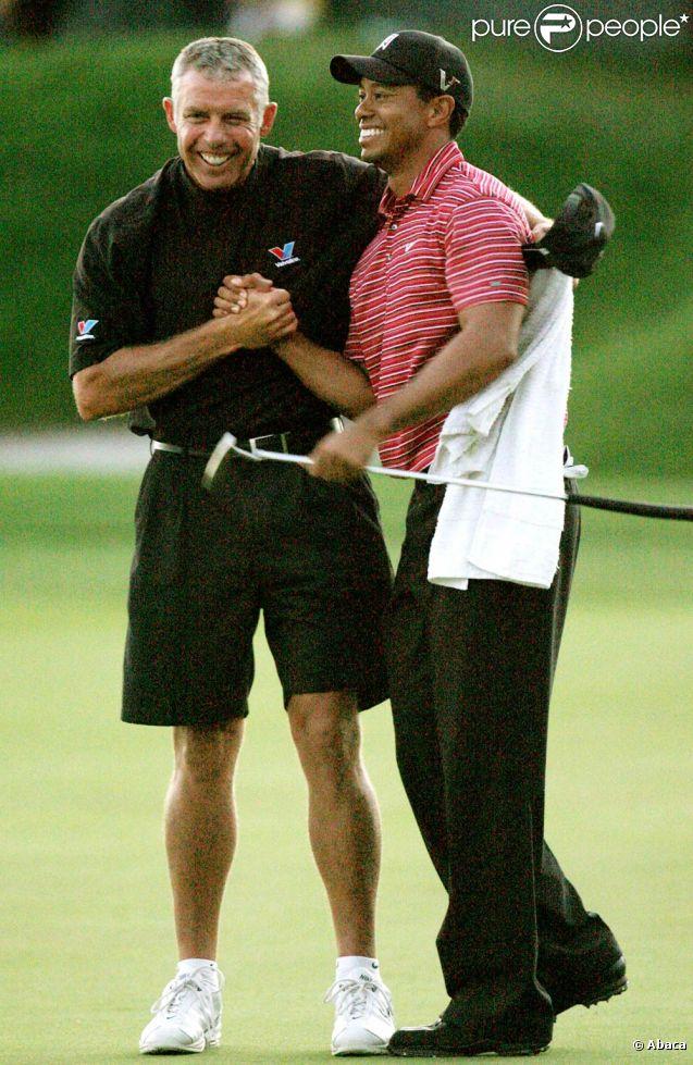 Tiger Woods s'est contenté d'une 37e place au WGC-Bridgestone Invitational d'Akron remporté par Adam Scott, le 7 août 2011. Steve Williams, son fidèle caddy et ami pendant douze ans viré le 20 juillet, s'est vengé en triomphant avec Adam Scott.