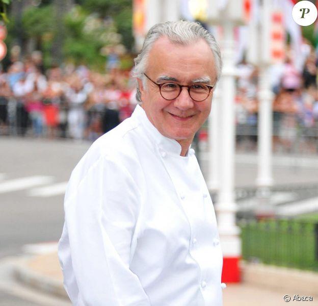 Alain Ducasse le 2 juillet 2011 à Monaco en plein préparatifs du dîner du mariage princier.