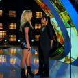 Britney Spears reçoit son prix d'honneur pour l'ensemble de sa carrière des mains de Lady Gaga, lors des MTV Video Music Awards 2011, dimanche 28 août 2011.