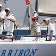 Le roi Juan Carlos a été opéré avec succès du tendon d'Achille du pied gauche dans la nuit du 4 au 5 septembre 2011. De retour au Palais de la Zarzuela, il entame une longue période de convalescence et rééducation.