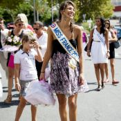 Laury Thilleman: Miss France illumine avec style l'élection de Miss Univers 2011