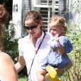 Jennifer Garner accompagne ses filles Violet et Seraphina à un goûter d'anniversaire. Los Angeles, 7 septembre 2011