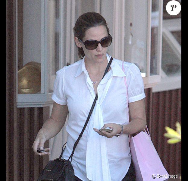 Jennifer Garner fait du shopping en solo à Los Angeles, le 7 septembre 2011