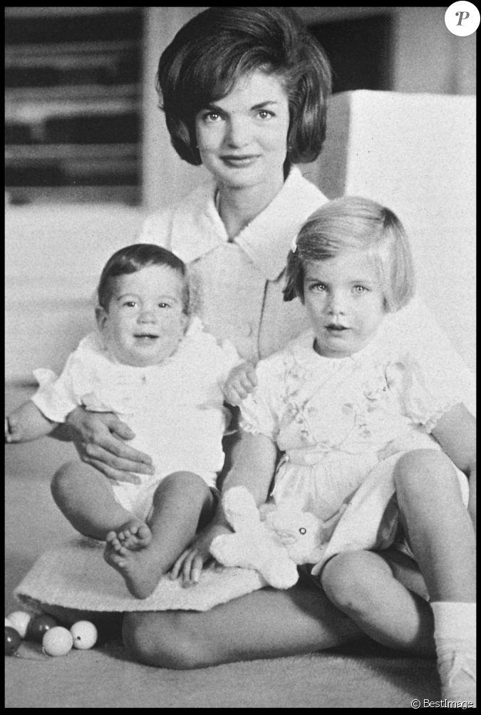jackie kennedy et ses enfants caroline et john