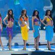 Laury Thilleman et les finalistes de Miss Univers 2011 le 12 septembre 2011 au Brésil