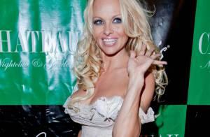 Pamela Anderson : Une fan tente de se suicider chez la blonde d'Alerte à Malibu