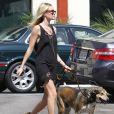 Kate Bosworth a emmené son chien chez le vétérinaire à Los Angeles, le 20 septembre 2011