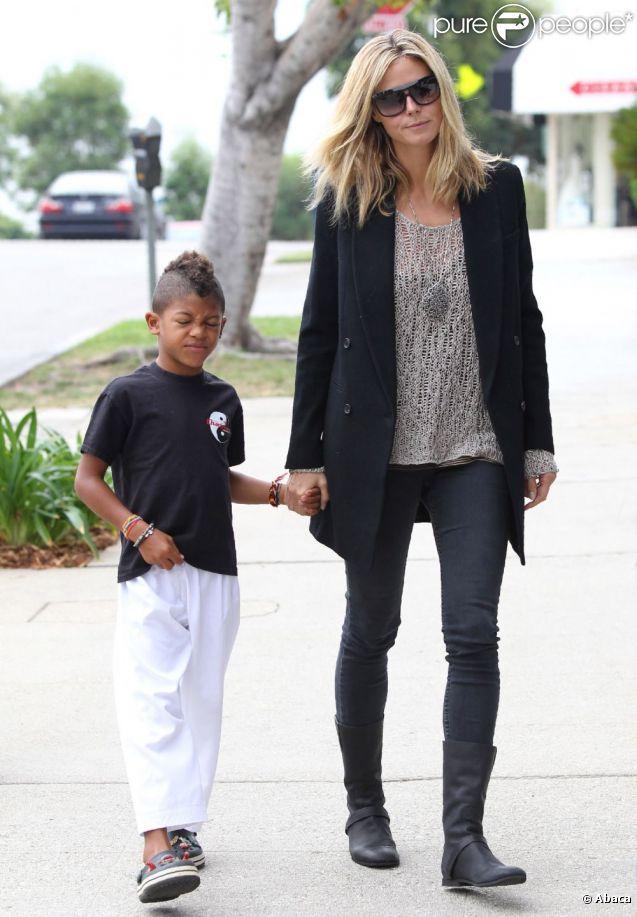 Le top model Heidi Klum pouponne avec classe et escorte son fils à son cours de karaté. Beverly Hills, le 17 septembre 2011.