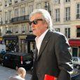 Alain Delon arrivant en l'église St Roch pour la messe en hommage à Roland Petit,  le 23 septembre 2011. Le chorégraphe est décédé le 10 juillet dernier à  Genève.