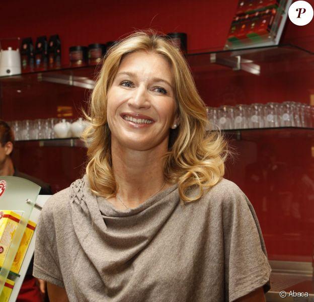 Steffi Graf était à Berlin le 29 septembre 2011 pour l'inauguration d'un salon de thé Teekanne dont elle est l'ambassadrice