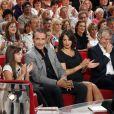 Jean Dujardin et Bérénice Bejo sur le plateau de l'émission Vivement Dimanche, enregistrée le 28 septembre 2011.